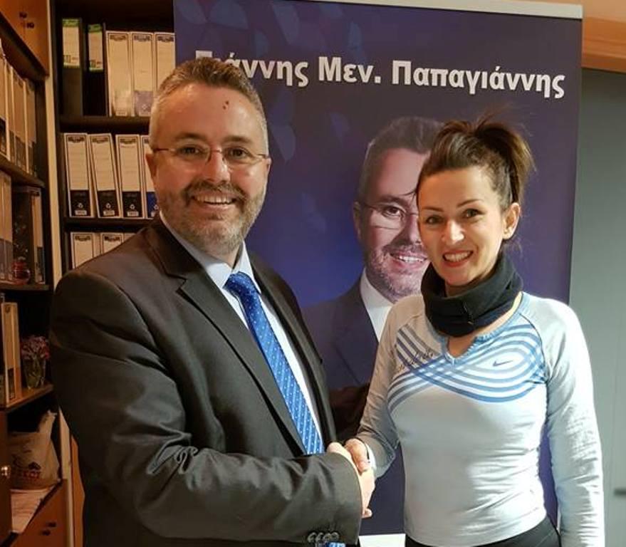 Η Άννα Καμπράνη υποψήφια Δημοτική Σύμβουλος με το συνδυασμό «Δικαίωμα για Νέα Βέροια» του υποψηφίου Δημάρχου Ιωάννη Παπαγιάννη.