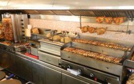 Ο Τσιόδρας και ο Χαρδαλιάς «έγιναν» πιάτα σε ψητοπωλείο της Θεσσαλονίκης..!