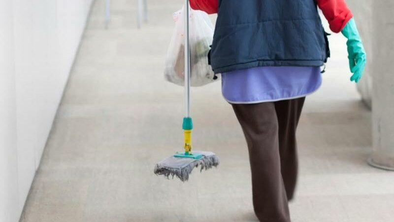 Προσλήψεις καθαριστριών!