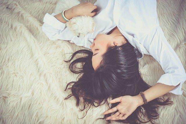 Για ποιους λόγους νιώθετε όλη μέρα κουρασμένοι